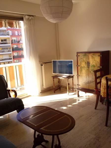 Appartement Réf. : AE-G3648 à Menton